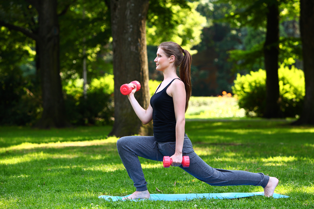 how-to-do-weighted-lunges